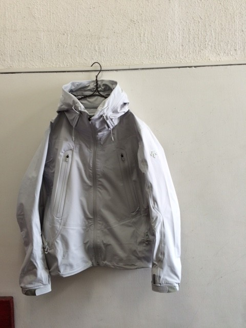 DESCENTE ALLTERRAIN/ISF Light Shell Jacket