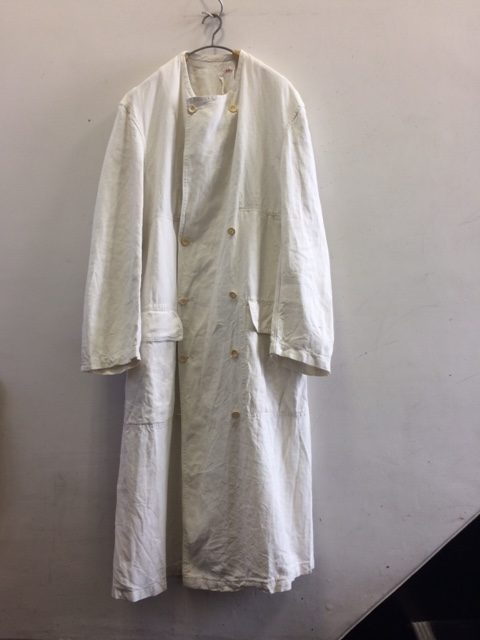 1910's Antique French White Linen Double Coat